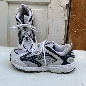 New Balance 377 athletic shoes Size 8.5